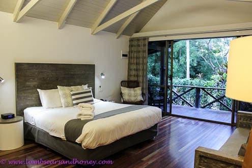 Hamilton Island bungalow bedroom