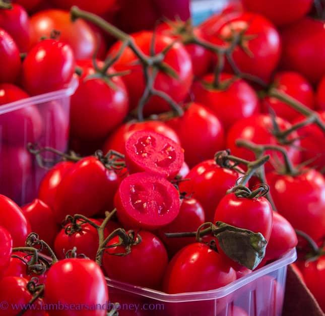 porta palazza market tomatoes