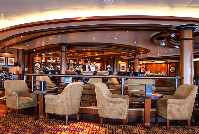 Cunard's Queen Elizabeth, a bar