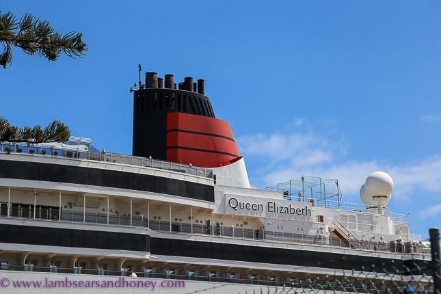 famous funnel, Cunard's queen elizabeth