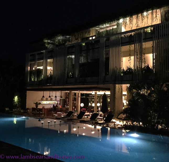 siem reap, viroth's pool at night