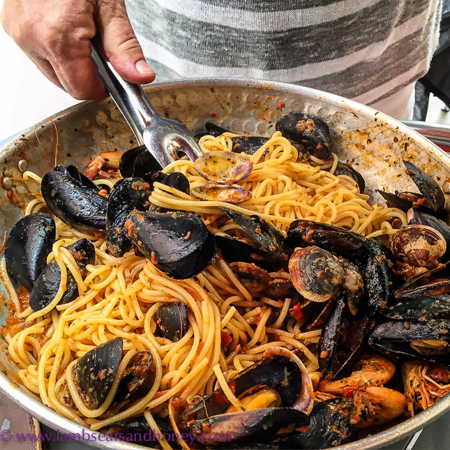 monterosso pasta with mussels