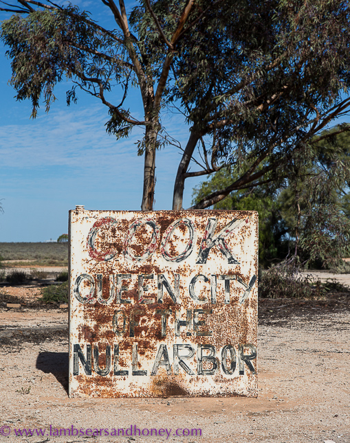 indian pacific, cook sign