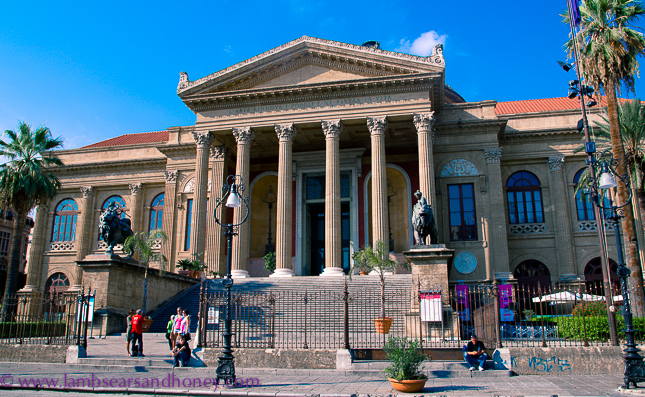 the grand Theatro Massimo on the StrEat Palermo tour