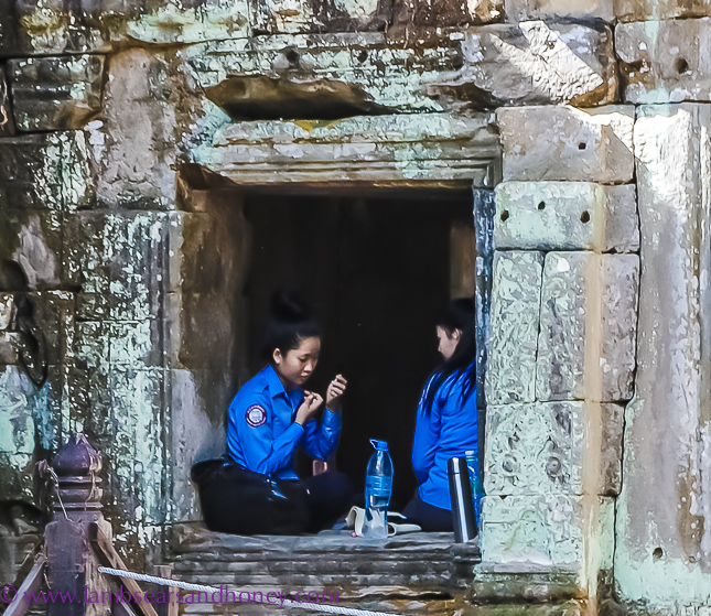 angkor wat girls