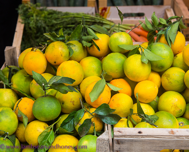 Sicilian citrus at Ortigia market