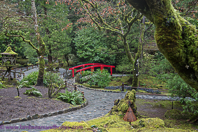 butchart gardens on vancouver island, red bridge