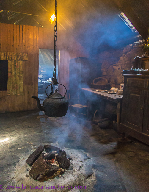 arnol blackhouse hearth