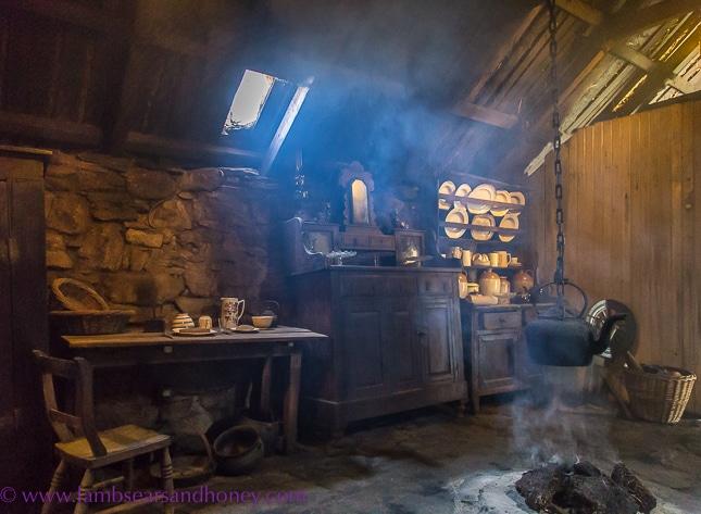 arnol blackhouse, living area