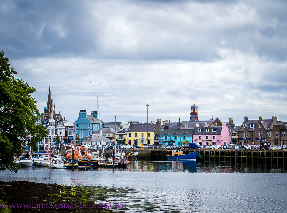 pretty buildings in Stornoway