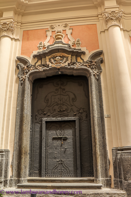 Ossuary, naples food tour