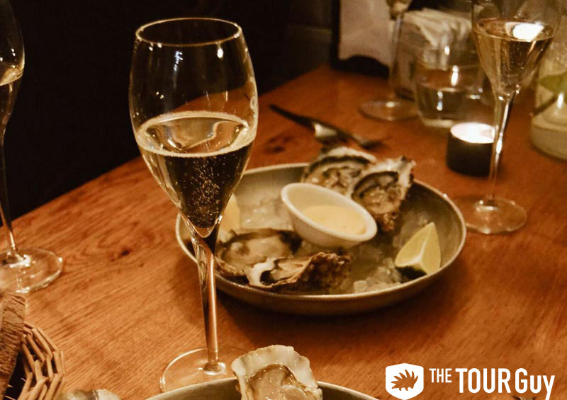 oysters and champagne, paris food tour